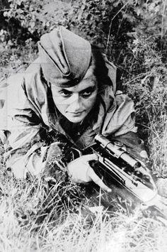 Red Army Women. Best female snipers.  Lyudmila Mykhailivna Pavlichenko : 309 kills.1941-1942