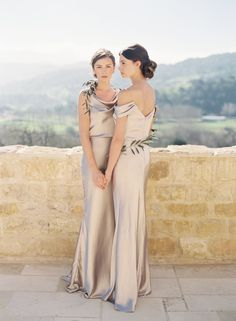 Madelyn + Sabine Dresses in Liquid Charmeuse by @jennyyoo {Photography: @carolinetran | Hair + Makeup: @teamhairmakeup | Venue: @sunstonewinery