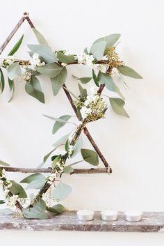 DIY wreath centerpiece