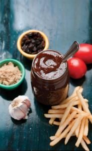 Bang homemade ketchup from Diners, Drive ins and Dives - fantasticsausage Diners Driveins And Dives, Dove Recipes, Food Network Recipes, Cooking Recipes, Homemade Ketchup, Good Food, Yummy Food, Copycat Recipes, Diy Food
