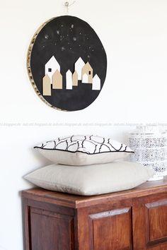 DIY Upcycling Ikea Schreibtischplatte Weihnachten Dekoration runde Wanddeko Holz