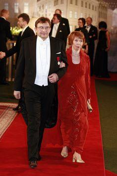 2007 Margit - siidkrepist kleit ja õhtumantel