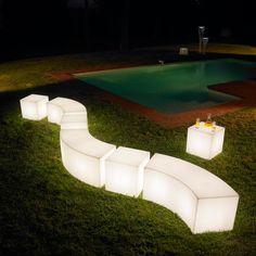 #design #luminaire #design #outdoor #garden  #jardin #détente #mobilier de #jardin #extérieur #piscine #piscine #desjoyauxpools