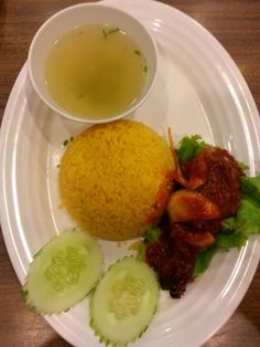 Lunchtime at Sepad Corner :) Im having Nasi Ayam Sambal, and its spiciness makes it tastes better. Happy eating ♥ ♥ ♥