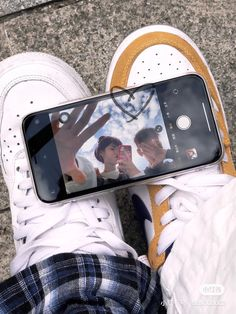 Creative Instagram Photo Ideas, Insta Photo Ideas, Instagram Story Ideas, Model Poses Photography, Couple Photography, Teen Girl Photography, Cute Relationship Goals, Cute Relationships, Cute Couple Pictures