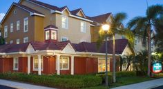 TownePlace Suites Fort Lauderdale West Fort Lauderdale Within easy driving distance of Fort Lauderdale's beaches, this hotel offers home-like accommodation with free Wi-Fi and 32-inch flat-screen TVs. All units feature full kitchens and spacious work areas.