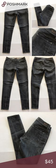 """[Paige] """"Skyline"""" distressed women's jeans 28 [Paige] """"Skyline"""" distressed women's jeans 28 •🆕listing •good pre-owned condition •length 31"""" •flat front waist measures 15.5"""" back waistband taken in •hole across right knee for distressed look •material 98% cotton 2% spandex •offers and bundles welcomed using the features••• Paige Jeans Jeans"""