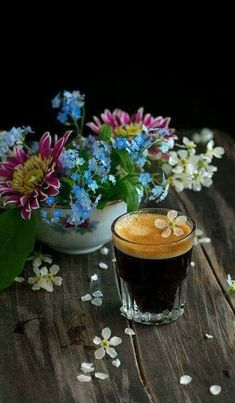 spring coffee life by Pavel Fadeev on Coffee Vs Tea, Chemex Coffee, Coffee Is Life, I Love Coffee, Coffee Cafe, Coffee Humor, Coffee Drinks, Fresh Roasted Coffee, Good Morning Coffee