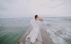 Inspirasi Gaun Pengantin untuk Pernikahan Pantai