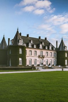 "lovelaceleopard: "" lightexponent: "" Château de La Hulpe | Credit "" love lace leopard"