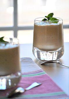 Ονειρεμένη,βελούδινη γεύση!!! Υλικά 400 ml γάλα ζεστό 4 κ.σ. ζάχαρη 25 γρ. κορν φλάουρ 250 γρ. KRE TORRE χτυπημένη σε σαντιγί (φυτική σαντ... Caramel Pudding, Glass Of Milk, Yogurt, Panna Cotta, Sweet Treats, Cream, Ethnic Recipes, Desserts, Food