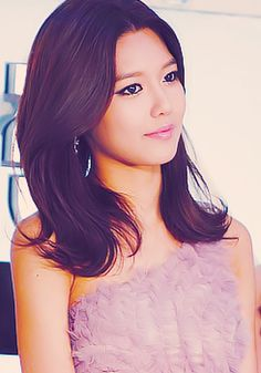 Sooyoung! I love her and her many hairstyles :)