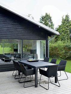 Modern design and decor inspiration for home outdoor spaces, patios, and backyards. Outdoor Rooms, Outdoor Dining, Outdoor Furniture Sets, Outdoor Decor, Dining Furniture, Design Exterior, Interior And Exterior, Outside Living, Forest House