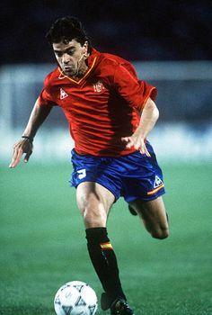 Manuel Sanchis de España. Finales de la Copa del Mundo Udine Italia 17 de junio España 3 v Corea del Sur 1. fue 48 veces internacional.