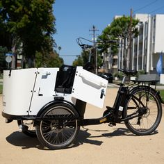 👀 What a Beauty!  The Ferla Family - Royce Edition is a next-level Cargo Bike, it's a modern & stylish electric cargo bike for your family adventures. 🏞️ 🚲  #cargobike #cargobikes #cargobikelove #cargobikelife #cargobikecamp #familybike #bikesforfamily #electricbike Electric Cargo Bike, Electric Motor, Fall Protection Harness, E Bike Battery, Bike Run, Roll Cage, Side Door, Bike Accessories, Front Brakes
