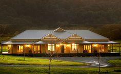 26 Best Ideas For House Exterior Australian Country Style Style At Home, Country Style Homes, Australian Country Houses, Modern Country, Limestone House, Australia House, Homestead House, Rural House, Farm House