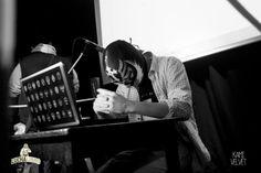 Lucha Libro - Dwaj zamaskowani pisarze, pięć minut i trzy kluczowe słowa. Przegrany traci twarz, czyli peruwiański sposób na wydanie książki.