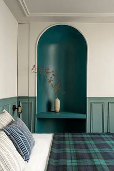 Moroccan craftsmanship at the heart of the decoration trend - HomeDBS Light Blue Sofa, House Styles, Decor, Small Room Decor, Beautiful Interiors, Inspired Homes, Elle Decor, Trending Decor, Bedroom Design