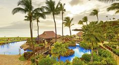 Sheraton Maui Resort & Spa Lahaina At the foot of the historic Black Rock overlooking Ka'anapali Beach and the Pacific Ocean, the Sheraton Maui Resort & Spa offers an outdoor pool, 3 tennis courts, gym and an area shuttle service.