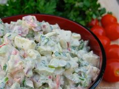 Creamy Vegan Potato Salad - This creamy vegan potato salad is absolutely TO DIE FOR! The best vegan potato salad I have ever had. A stunner, a winner. Not to be missed.