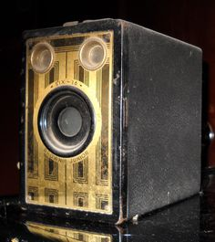 Brownie Junior Kodak Size 16 camera, box style. Great Art Deco lines, manufactured in the 1930's and 1940's.