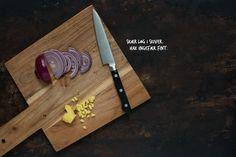 Opskrift: Syltede rødløg | Frk. Kræsen Falafel, Butcher Block Cutting Board, Broccoli, Tapas, Curry, Curries, Falafels