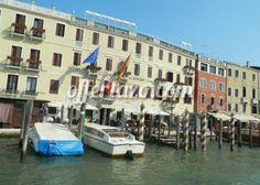 Para los que siempre habéis querido conocer la Ciudad de los Canales: #Vacaciones en Venecia durante el Puente de la Constitución en hotel de 3 estrellas... ¡Con Vuelo incluido!