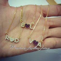 #bomdia Colar com 2 letras e 1 coração todo cravejado ....  Whats 21 972668643  sac@marialindajoias.com ______________________________ #colarinicial #colar #semijoiasfinas #semijoia #segunda #boasemana