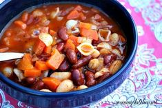 Homemade Slow Cooker Pasta e Fagioli Soup. This is the best soup recipe. So easy and tasty!