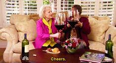Quand à une soirée t'as ramené une bonne bouteille de vin avec ta copine française
