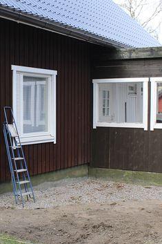 Talon kunnostus – ennen ja jälkeen – Design Wash Garage Doors, Outdoor Decor, Design, Home Decor, Decoration Home, Room Decor, Carriage Doors, Interior Decorating