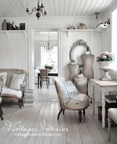 15 French country style country home offices - country decor French Country Cottage, Country Farmhouse Decor, French Country Style, Country Cottages, French Chic, Modern Country, Country Chic, Decoration Shabby, Shabby Chic Decor
