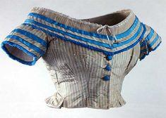 Corsage du soir – Taffetas rayé et biais de taffetas bleu – vers 1864