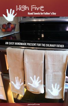 A sweet handmade Father's Day gift - High FIve hand prints kitchen towels for the culinary dad or grandpa in your life. Craft Gifts, Diy Gifts, Cute Crafts, Crafts For Kids, Handmade Father's Day Gifts, Father's Day Celebration, Daddy Day, Grandparent Gifts, Fathers Day Crafts