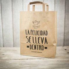 Bolsa de papel con asas para regalitos molones. Diseño de Mr.Wonderful. A la venta en: http://www.mrwonderfulshop.es