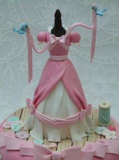 Cinderella Cake 4.jpg