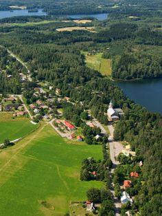 Karjalohjan kirkonkylä.  Kuva: MV/RHO 125790: 27 Hannu Vallas 2007