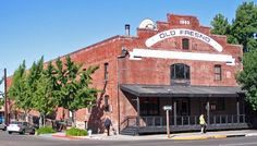 Think this brick stacked facade with a flat roof has the feel of a building used for packing house. Similar to one of the barn photos. For employee housing - might be interesting on drive in. Fresno County, Fresno California, Central California, Brick Art, Art Deco Buildings, Central Valley, Art Deco Home, Flat Roof, Red Bricks