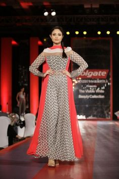 visible white collection by manish malhotra for girls (1)