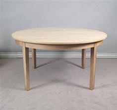 Lauritz.com - Furniture - Dansk møbelproducent. Rundt spisebord i egetræ (4) - DK, Aalborg, Nibevej