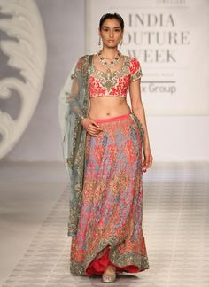 Varun Bahl at India Couture Week - pink lehnga Pakistani Dresses, Indian Sarees, Indian Dresses, Indian Outfits, India Fashion, Ethnic Fashion, Asian Fashion, Indie Mode, Ghaghra Choli