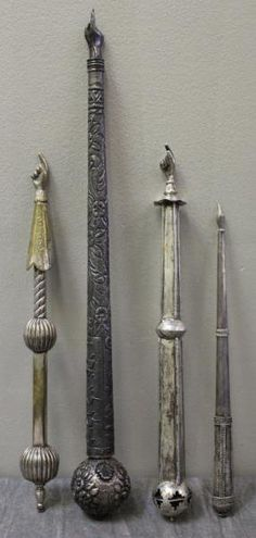 JUDAICA. Group of 4 Silver Torah Pointers with Yad : Lot 410