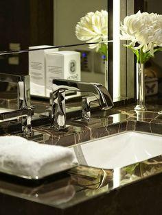 Timeless bathroom sink/facet Splendid Sass