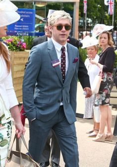 | ONE DIRECTION NIALL HORAN TURNS UP FOR RACING AT ASCOT 2016 ! | http://www.boybands.co.uk