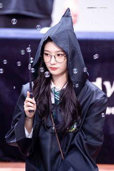 """트위터의 너와 함께한 시간 님: """"180825 팬싸인회 #정채연 #채연 #다이아 #Chaeyeon @dia_official 🎶🎶… """" Kpop Girl Groups, Korean Girl Groups, Kpop Girls, Korean Beauty, Asian Beauty, Jung Chaeyeon, Pre Debut, Bae Suzy, Ioi"""