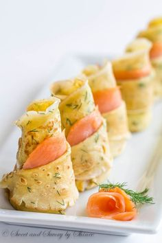 Dill Crepes with Smoked Salmon. Delicate thin dill crepes with smoked salmon make absolutely impressive irresistibly delicious appetizer for your cocktail party! Yummy Appetizers, Appetizers For Party, Appetizer Recipes, Avacado Appetizers, Prociutto Appetizers, Smoked Salmon Appetizer, Seafood Recipes, Mexican Appetizers, Halloween Appetizers
