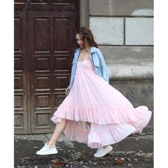Achers baby pink maxi dress  #achers#pink#dress#maxi#jeans#casual#whiteshoes#pinkdress#maxidress#summerdress#casualdress#trendydress#jeansjacket#casuallook#streetstyle