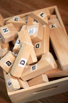 Learning letters while building with blocks