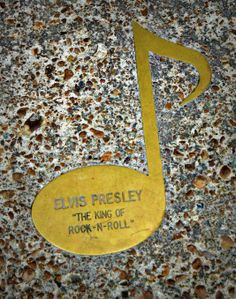 ( 2015 ) - † ♪♫♪♪ Elvis Aaron Presley - Tuesday, January 08, 1935 - Tupelo, Mississippi, U.S. Died; Tuesday, August 16, 1977 (aged of 42) Memphis, Tennessee, U.S. Resting place Graceland, Memphis, Tennessee, U.S. Education. L.C. Humes High School Occupation Singer, actor Home town Memphis, Tennessee, USA. >Elvis' music note on Beale Street, Memphis, TN.