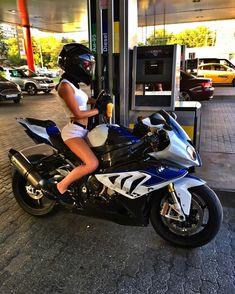 Fails, Crash, Cops vs Bikers and much more! Motorbike Girl, Scooter Motorcycle, Moto Bike, Motorcycle Girls, Biker Chick, Biker Girl, Ducati, Yamaha, Triumph Motorcycles